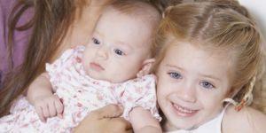 mama, siostra, rodzeństwo, niemowlę