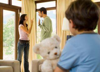 mama, tata, kłótnia, dziecko, kłócić się