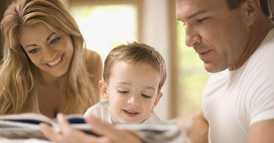 mama, tata, książka, dziecko, czytać