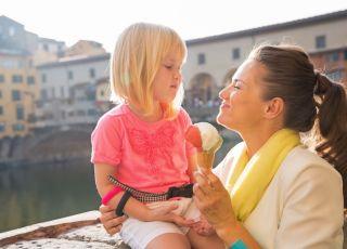 mama z córką na wakacjach