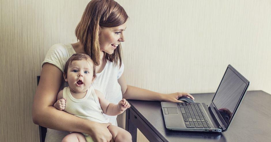 Mama z dzieckiem, powrót do pracy, poranna rutyna
