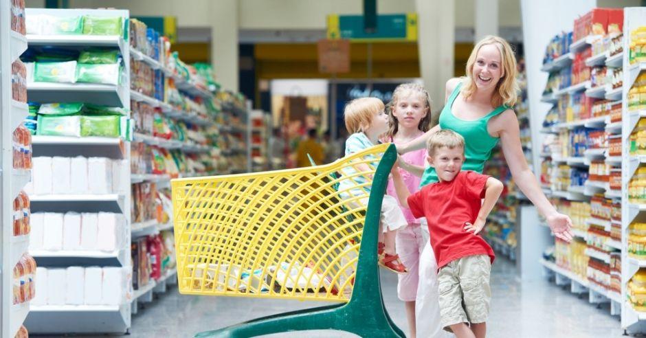mama z dziećmi na zakupach