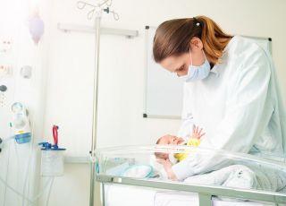 mama z noworodkiem zarażona koronawirusem