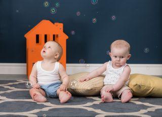 Jakie zabawki wpływają na rozwój emocjonalny i społeczny dziecka?