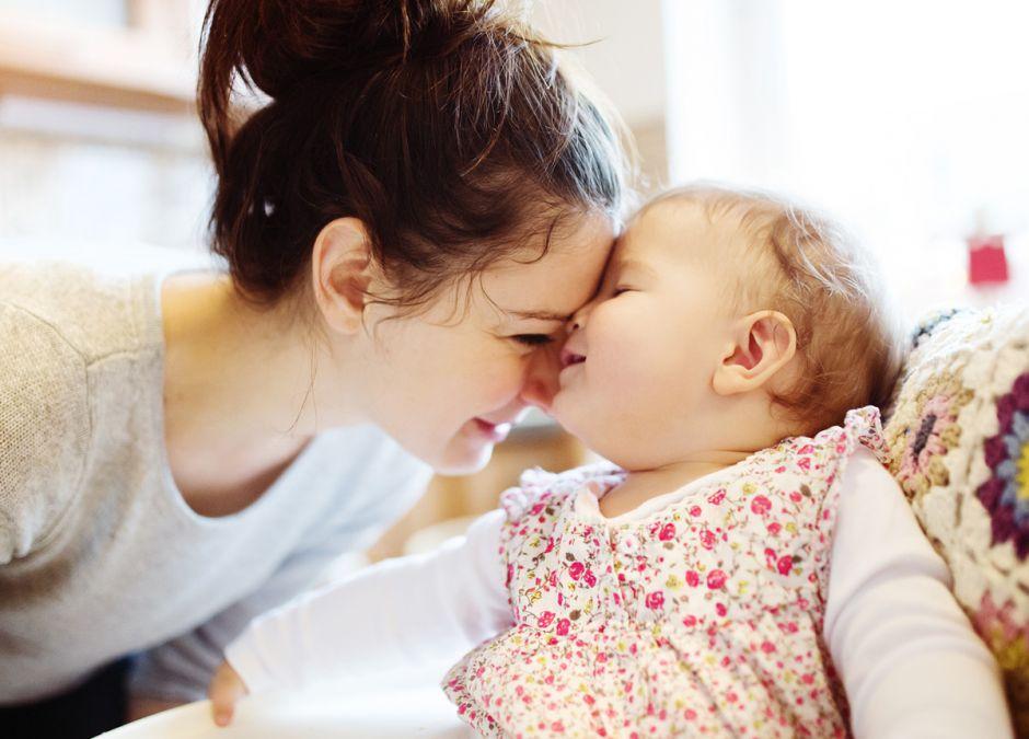 Matka opiekuje się córką