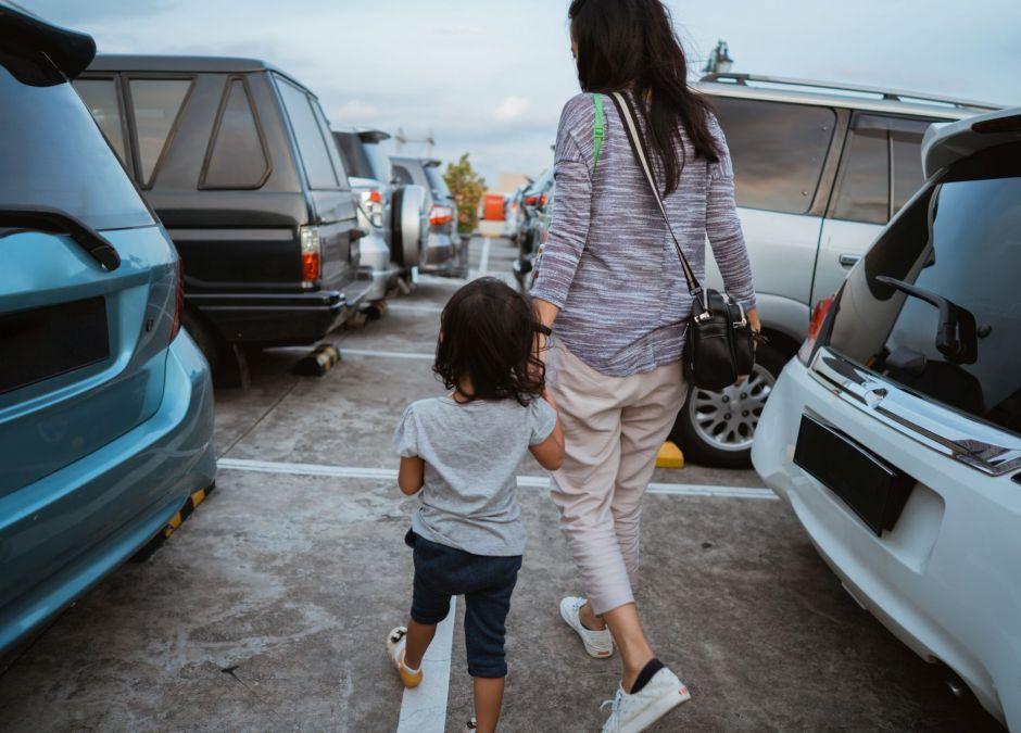 matka zaatakowana za parkowanie na miejscu dla rodziców