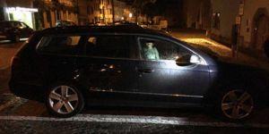 Matka zostawiła 2-latka w samochodzie i poszła do klubu