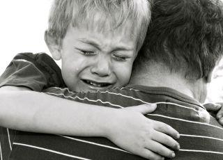 Mąż kazał dziecku iść na pogrzeb dziadka