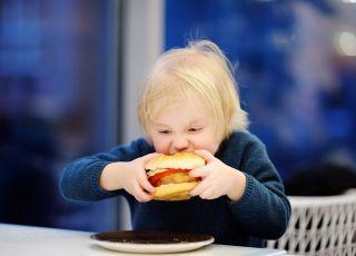 Uwaga! Zmienia się skład Happy Meal! Co teraz tam znajdziecie?