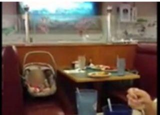 mężczyzna nagrał dziecko pozostawione bez opieki
