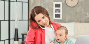 Młoda mama przerwała pisanie egzaminu, aby nakarmić dziecko