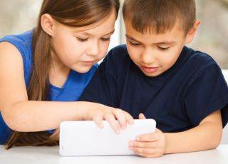 mody w przedszkolu, dziecko i gadżety