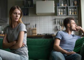 """""""Mój mąż ciągle mnie krytykuje! Mówi, że jestem fatalną matką, a sam niewiele robi. Mam dość"""""""