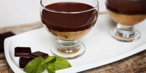 Mus jabłkowy z czekoladą i masłem orzechowym  - przepis na deser