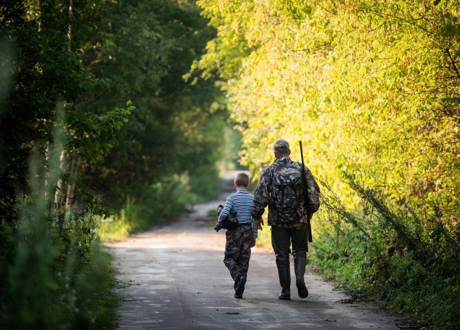 Myśliwi chcą, aby niepełnoletnie dzieci brały udział w polowaniach