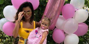 Natalia Siwiec z Mią w dniu jej pierwszych urodzin