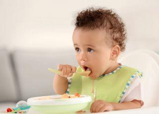 Nauka jedzenia łyżeczką