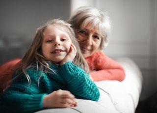 Nie chcemy należeć do Kościoła, a babcia sekretnie uczy nasze dziecko pacierza