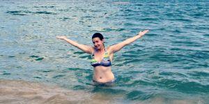 Niedoskonałe ciało matki w bikini