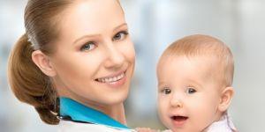 niemowlę, dziecko, kobieta, lekarz, badania niemowlaka