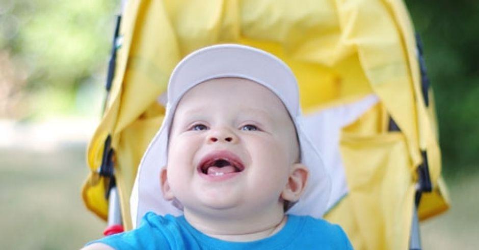 niemowlę, dziecko, wózek, lato, spacer z dzieckiem