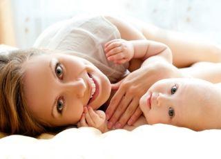 niemowlę, mama, dziecko, noworodek
