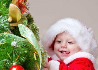 niemowlę, choinka, święta, Boże Narodzenie, bombki