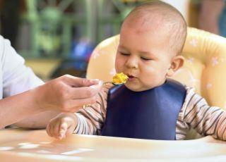 niemowlę, fotelik, karmienie, kuchnia