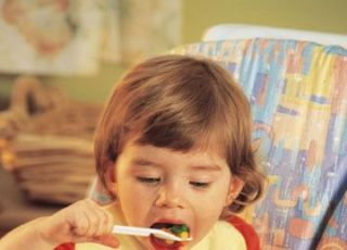 niemowlę, karmienie, odżywianie, warzywa, fotelik