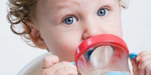 niemowlę, kubek niekapek, pić