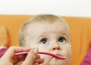 niemowlę, kuchnia dla malca, danie ze słoiczka, karmienie dziecka, łyżeczeka