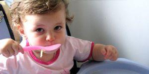 niemowlę, kuchnia dla malca, fotelik, jedzenie, zupa