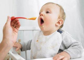 niemowlę, kuchnia, karmienie, łyżeczka