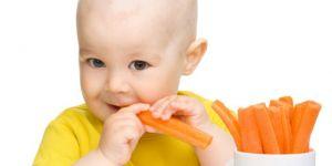 niemowlę, kuchnia, warzywa, owoce, jabłko, marchewka