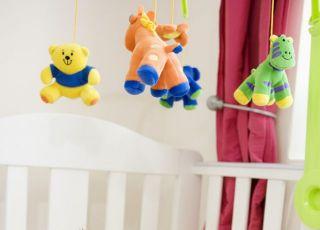 niemowlę, łóżeczko, karuzelka, leżeć, smoczek