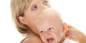 niemowlę, mama, płacz