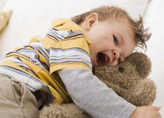 niemowlę, maskotka, pluszak, tulić