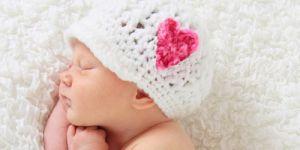 niemowlę, miesięczne niemowlę, noworodek, rozwój niemowlaka, rozwój dziecka