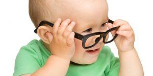 niemowlę, okulary, książka