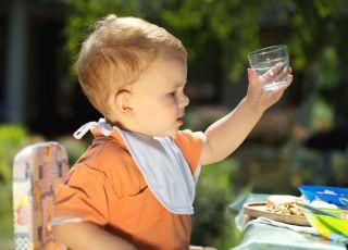 niemowlę, piknik, szklanka, woda