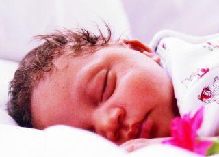 niemowlę, problemy ze snem, własne łóżeczko