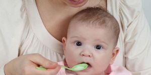 niemowlę, rozszerzanie diety, łyżeczka
