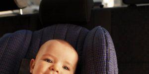 niemowlę, samochód, auto, fotelik samochodowy