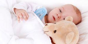 niemowlę, sen, łózko, maskotka, leżeć