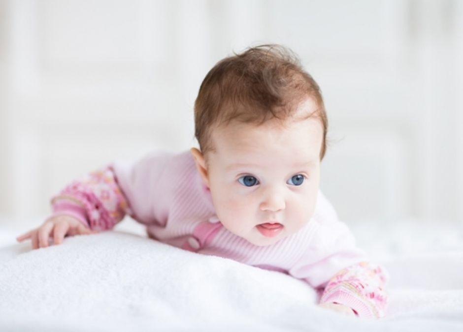 niemowlę, sweterek, ubranka dla niemowlaka