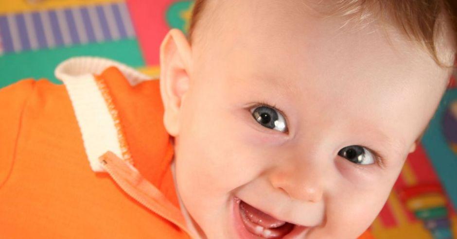 niemowlę, uśmiech, ząbki
