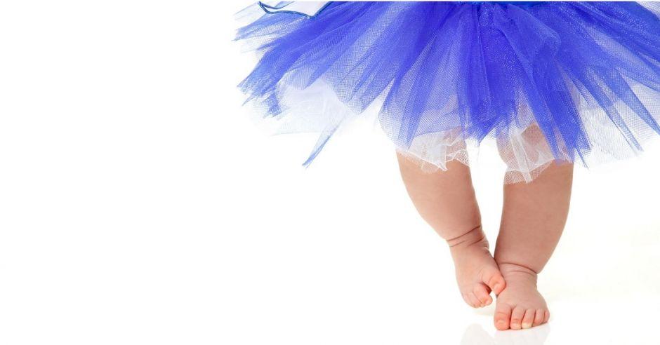 Niemowlę w spódnicy - taniec