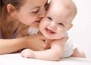 niemowlę z mamą