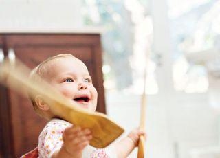 niemowlę, zabawa, uśmiech