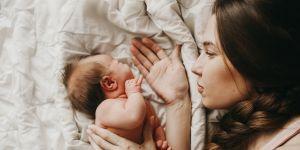 niespokojne niemowlę przyczyną depresji mamy